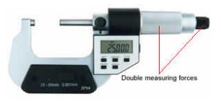 MICROMETRO DIGITAL EXTERIOR 0 - 25 mms / 1¨ MARCA QINGDAO MODELO 200-400